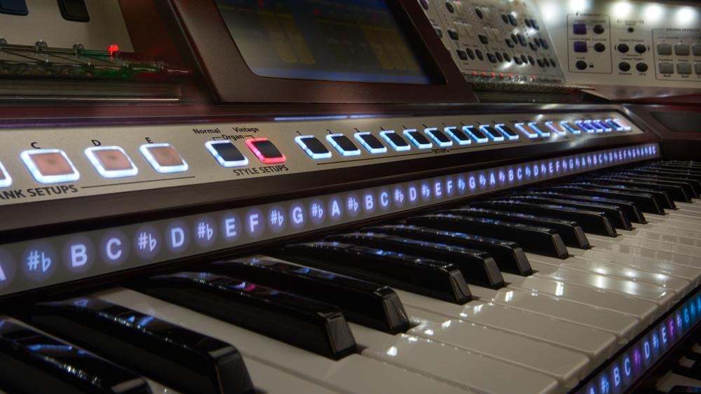 Organs New Lowrey Aria Pro Ex6000