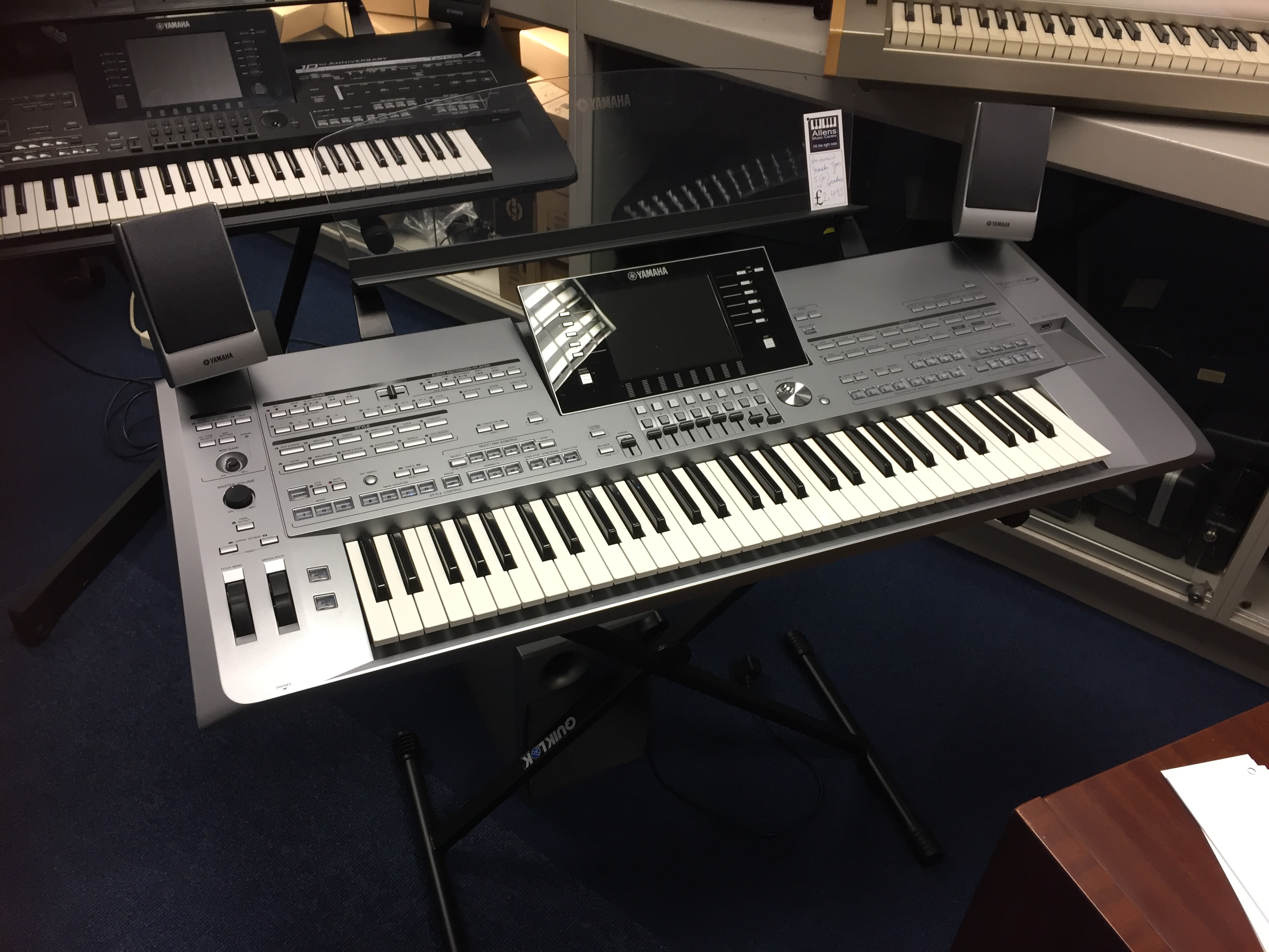 Yamaha Tyros  Specification